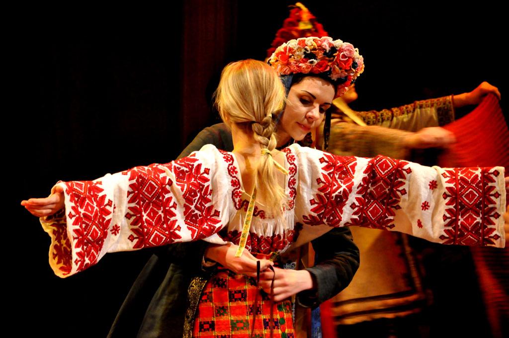 teatr-lesya-urbasa-lisova-pisnya-09